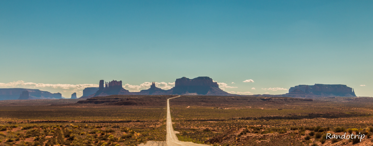 Sur la route en quittant Monument Valley