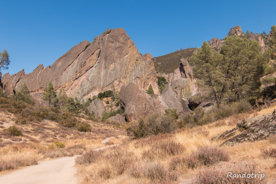 Le Balconies Trail à Pinnacles National Park en Californie.