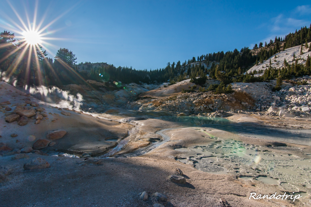 La zone de Bumpass Hell au Lassen Volcanic National Park en Californie
