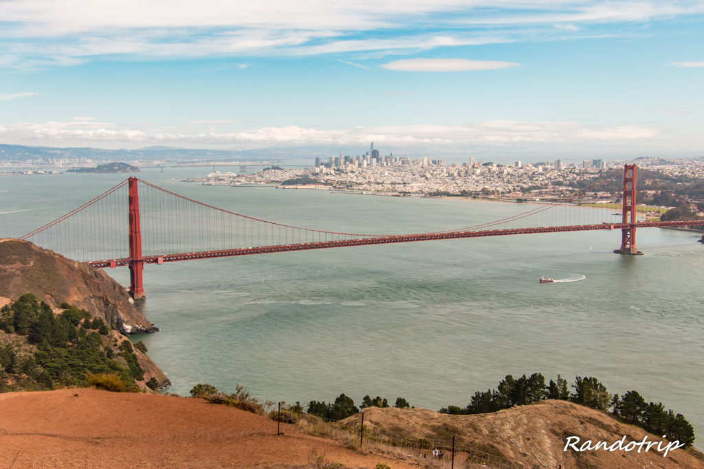 Le Golden Gate Bridge de San Francisco depuis la Conzelman Road et le point de vue Hawk Hill