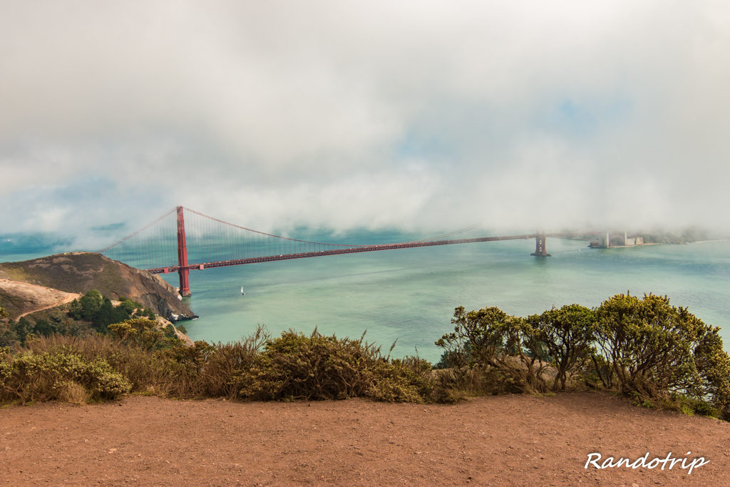 Le Golden Gate Bridge de San Francisco depuis la Conzelman Road
